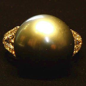 大粒14mmの黒蝶貝南洋真珠の指輪
