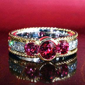 ピンクスピネル3個使った指輪