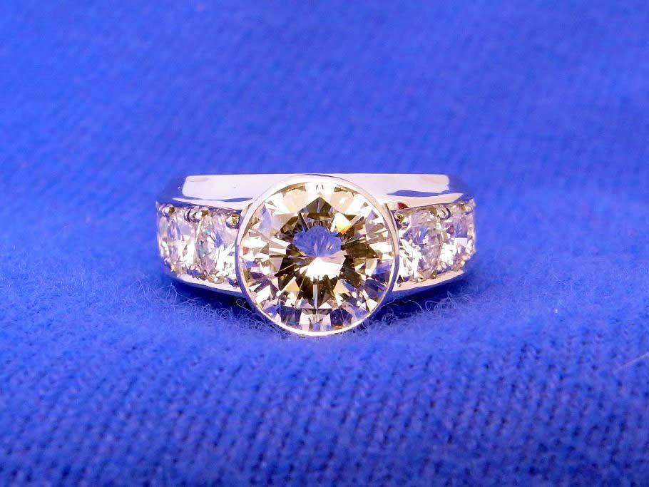 立て爪指輪からのリフォーム例