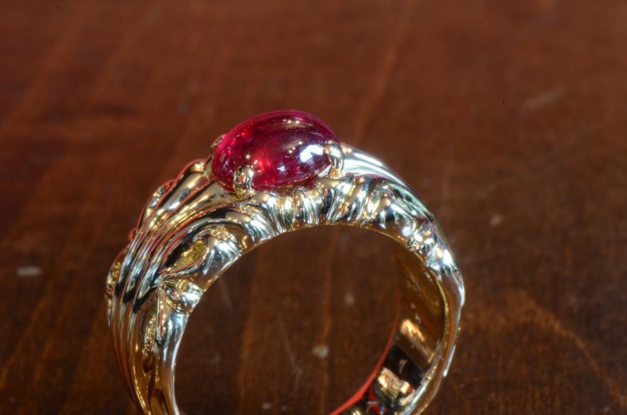 カボッションルビー6カラット マハリングの指輪制作