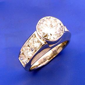 2.5カラット ダイアモンドの指輪
